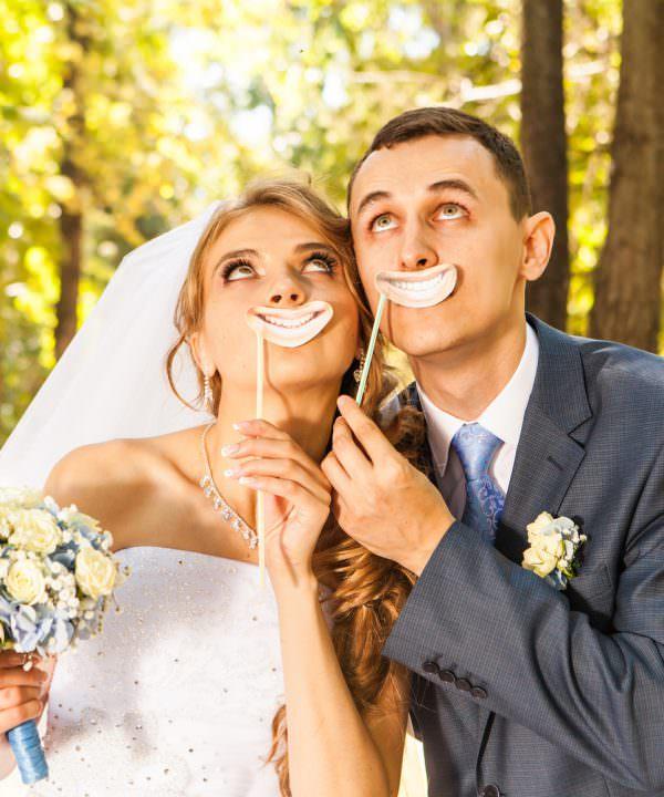 Wedding photo booth pose